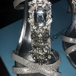 ANTONIO MELANI Shoes - Antonio Melani diamond heels